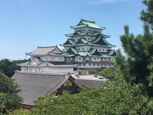 東南隅櫓から名古屋城天守1